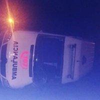 Volcó una ambulancia al chocar a un transeúnte en la ruta 38