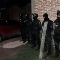 Allanamiento: Detuvieron a 10 personas entre las que encontraban 5 policias