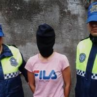 Una mujer asaltó un comercio y mató a un hombre de un disparo en la cabeza