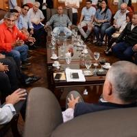 """Jaldo y Amado se reunieron con los gremios estatales y trataron """"La cláusula gatillo"""""""