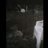 5 familias de Santa Lucia tuvieron que ser evacuadas. Un vecino pidió ayuda por las redes